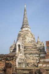 Правая ступа старинного храма Ват Пхра Си Санпет. Аютхая, Таиланд
