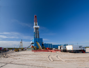 oil well for oil and gas production, installation