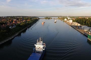 Kiel Kanal endet in der Kieler Förde n der Holtenauer schleuse