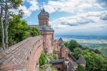 Château du Haut-Koenigsbourg et plaine d'Alsace
