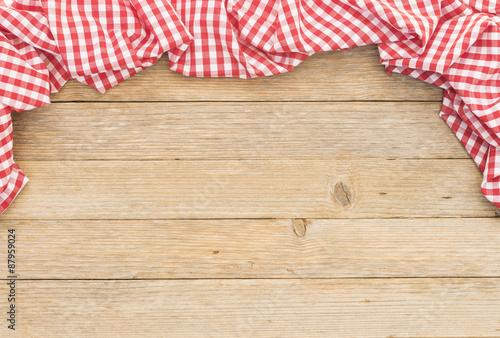 holz rahmen mit tischtuch rot wei kariert karo hintergrund stockfotos und lizenzfreie. Black Bedroom Furniture Sets. Home Design Ideas