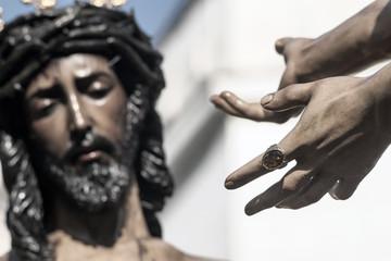 Las manos de pilátos presentan a Jesús, semana santa de Sevilla, hermandad de San Benito