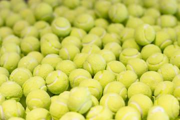 Kaugummis in Form von Tennisbälle