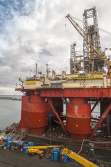Repair of the oil rig in the shipyard.