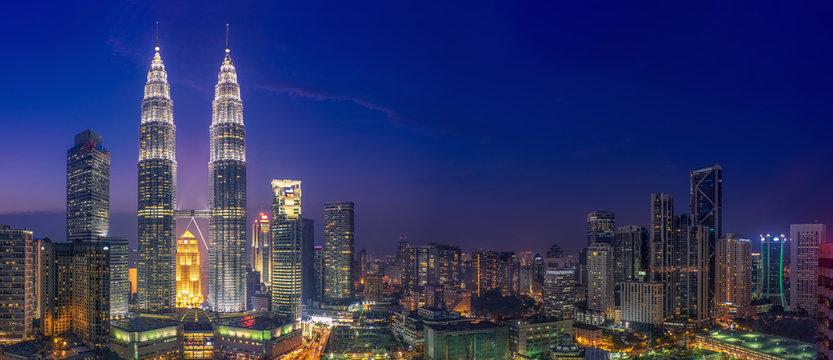 Petrona Towers & Blue Hour