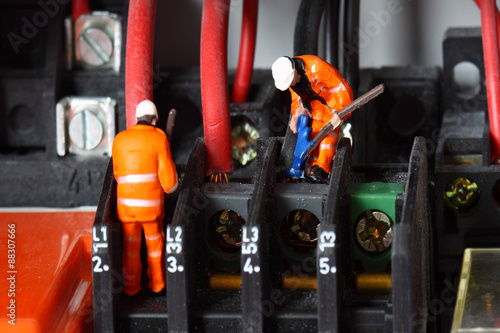 Miniature construction figures wiring circuit  Miniature