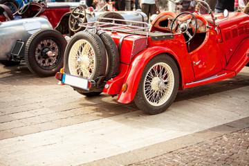 vecchie auto in mostra