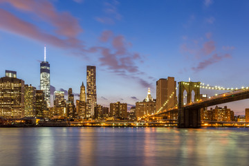 Wall Mural - Brooklyn bridge and downtown New York City at night