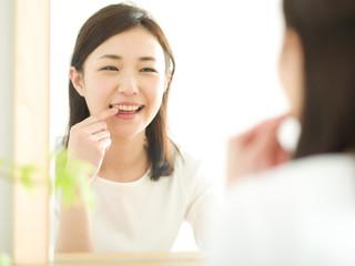若い女性・歯