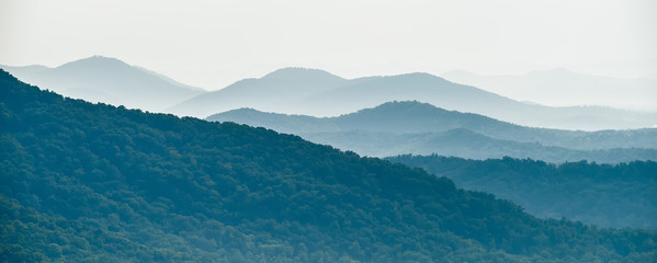 Papiers peints Bleu vert chimney rock park and lake lure scenery