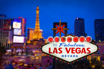 Photo sur Aluminium Las Vegas Welcome to fabulous Las vegas Nevada sign with blur strip road b