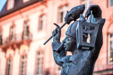 Bajazz mit Laterne am Schillerplatz in Mainz