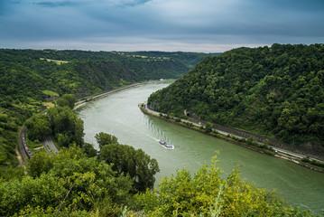 Rhein südlich vom Loreleyfelsen kurz vor Sankt Goarshausen