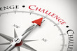 Kompass zeigt auf das Wort Challenge