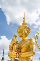 エメラルド寺院の黄金像 王宮