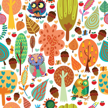 Outdoor concept seamless pattern.Cartoon trees and owls in vecto