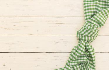 Tisch Tuch Rustikal Karo Grün Weiß auf Holz Hintergrund