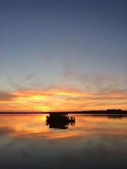 Floss bei Sonnenuntergang