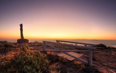 Photo sur Plexiglas Lavende Crépuscule au sommet du Maïdo, La Réunion.