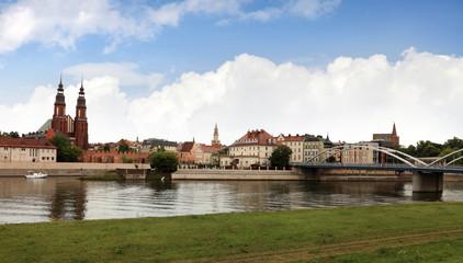 Widok Opola od strony rzeki Odra.