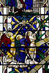 Angels blowing on a trupet (stained glass)