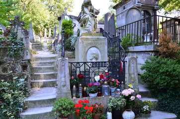 Foto auf Acrylglas Friedhof Tomb of Frederic Chopin, famous Polish composer, at Pere Lachaise cemetery in Paris, France