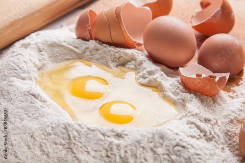 Как сделать тесто для пиццы без дрожжей и без яиц