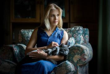 Портрет женщины с котом