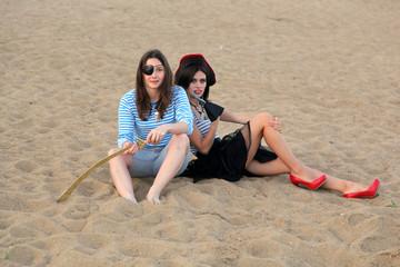 Девушки пираты