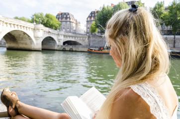 Lecture parisienne