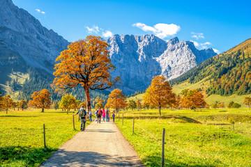 Wanderer im Karwendel, Tirol, Österreich,