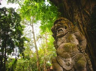 バリ島のモンキーフォレストにある、プラダレムアグン寺院の守護神