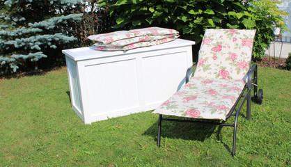 bilder und videos suchen gartenliege. Black Bedroom Furniture Sets. Home Design Ideas