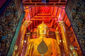 Buddha image in Wat Phanan Choeng temple