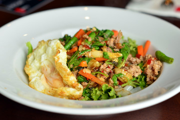 Thai noodle Fried Stir Basil with Minced pork with fried egg