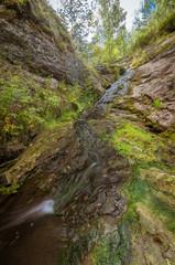 Шатинский водопад, летний ручей, Россия,Урал
