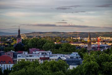 Panorama von Bad Kreuznach mit Riesenrad hinter der Pauluskirche