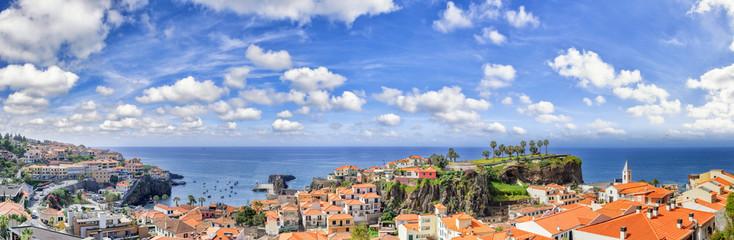 Panoramic landscape with view of Camara de Lobos, small fisherma Fototapete