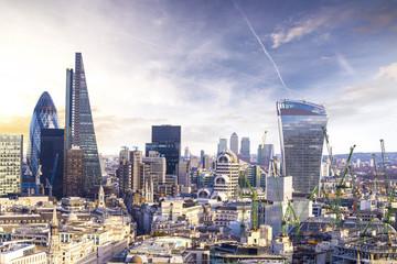 Londyński zmierzch, widok na biznesowej nowożytnej okręgu