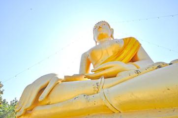 The gold Buddha image