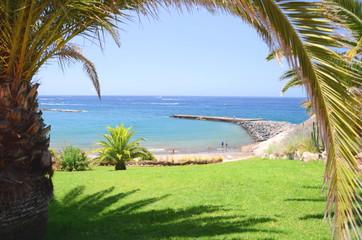 Piękna plaża Fanabe w Costa Adeje na Teneryfie
