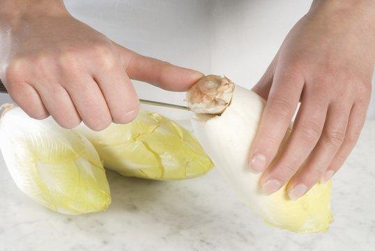 Preparing chicory: removing the core