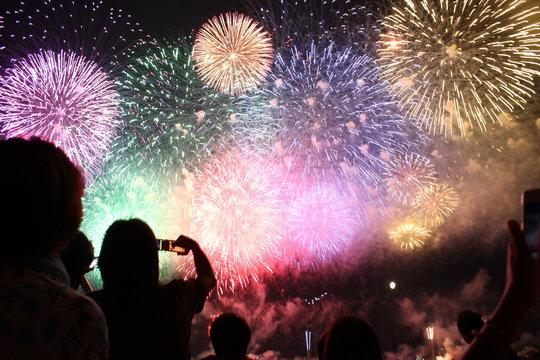 長岡花火大会の尺玉百連発