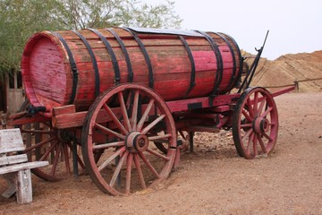 vieux chariot à eau