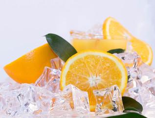 Frische orange auf Eis