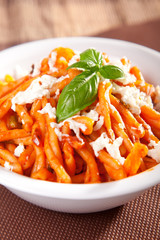 Pasta with tomatos and mozzarella