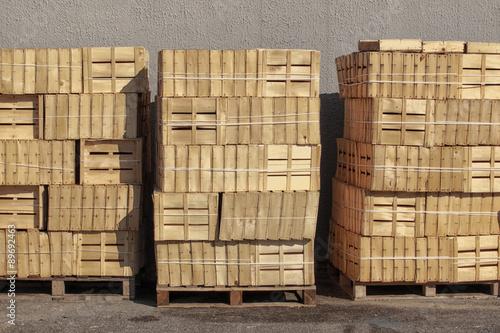 palettes et cagettes en bois palettes et cagettes en bois. Black Bedroom Furniture Sets. Home Design Ideas