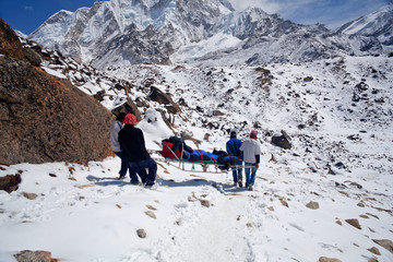 Emergency evacuate in the Himalayan mountains