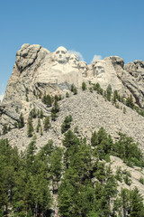The United States' forefathers overlook the Black Hills. | Mount Rushmore, South Dakota, USA