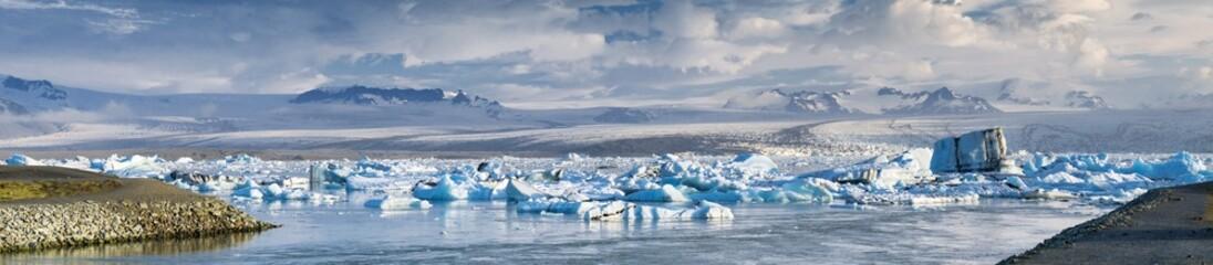 Poster Glaciers lagoon of glacier Fjallsarlon in Iceland